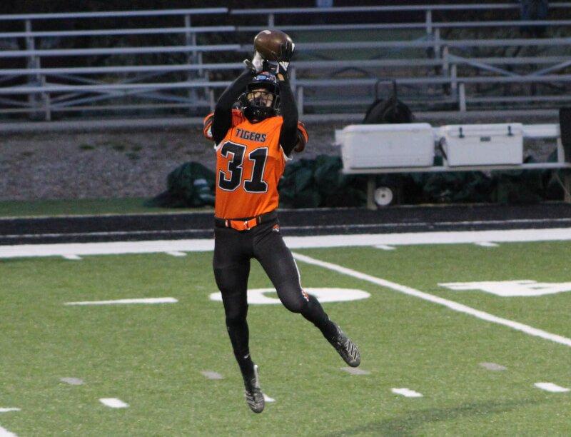 football player catch
